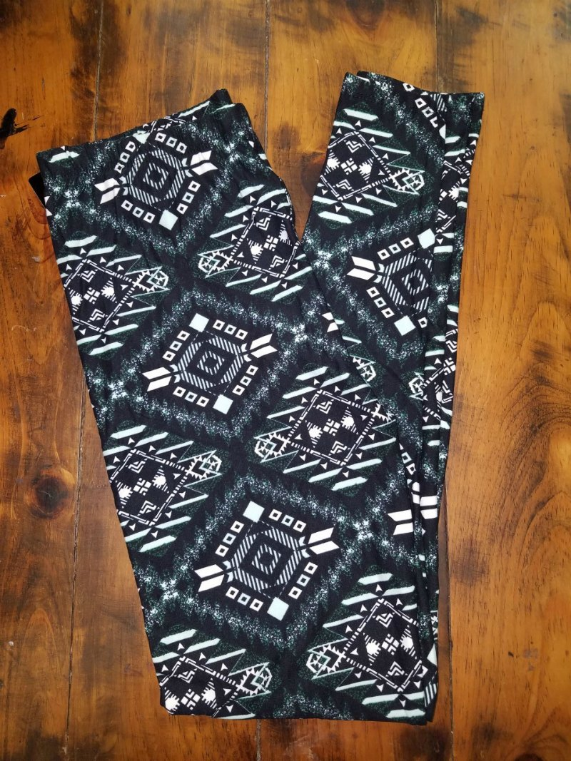 Aztec Black/Green/White Leggings {one size}