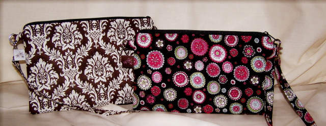 The Lily Convertible Pouch